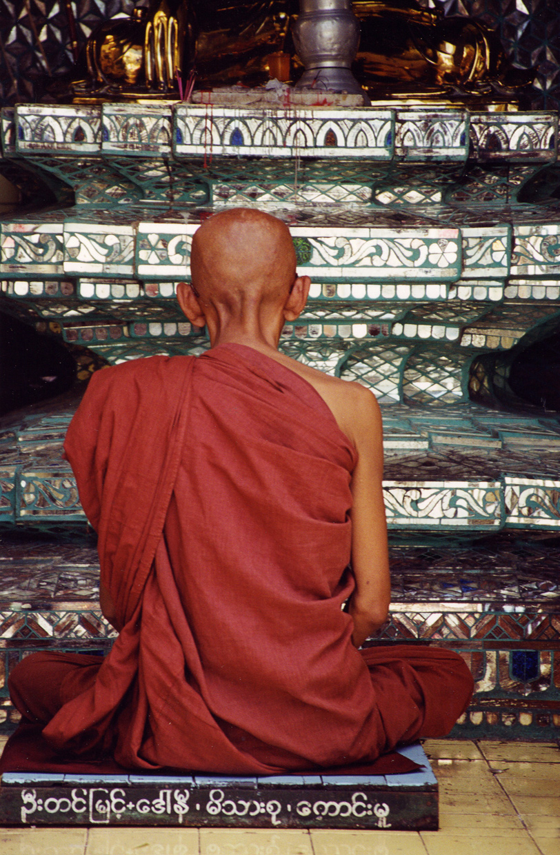 Monk,-Yangon-Myanmar-Travel-Photographer-Caryn-B-Davis