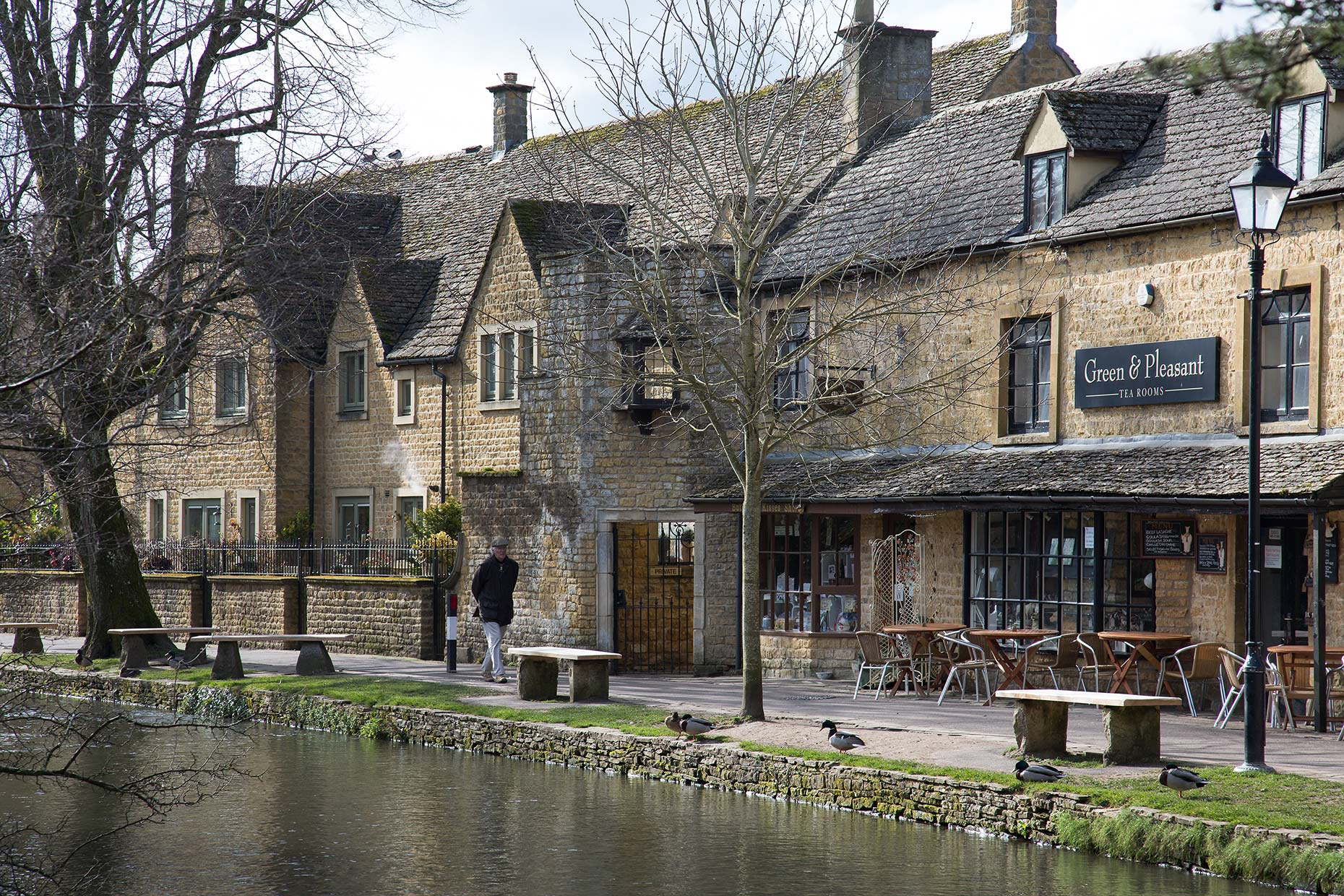 Bourton-on-the-Water-Cotswold-England-UK