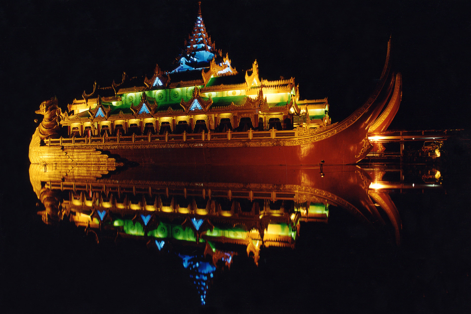 Yangon-Myanmar-Floating-Resturant-Travel-Photography-Caryn-B-Davis