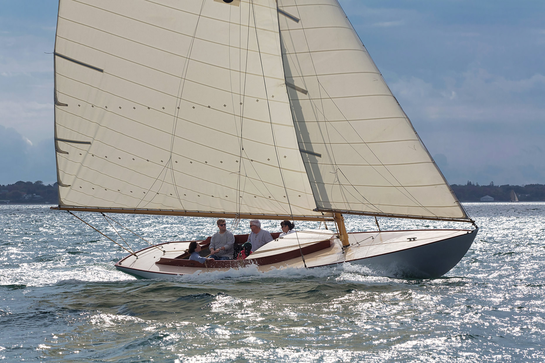 Herreshoff-Buzzard-Bay-25-Noank-Connecticut-Yacht-Photography-Caryn-B-Davis